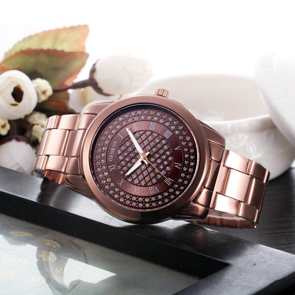 Крупные металлические часы «Geneva» медно-коричневого цвета со стразами на циферблате купить. Цена 365 грн