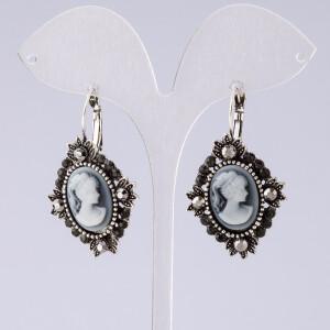 Винтажные серьги «Камеи» с покрытием под античное серебро купить. Цена 115 грн