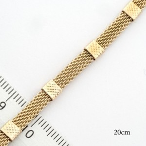 Стильный позолоченный браслет миланского плетения с рельефными вставками фото. Купить