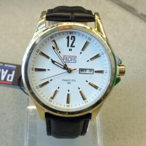Богатые мужские часы «Pacific» в классическом стиле с кожаным ремешком купить. Цена 1399 грн