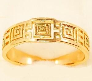 Тонкое кольцо «Лабиринт» без вставок и камней в греческом стиле фото. Купить