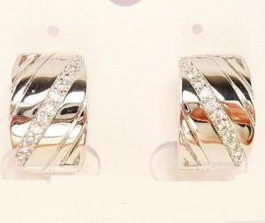Серебристые серьги «Диагональ» с мелкими фиантами и родиевым покрытием фото. Купить