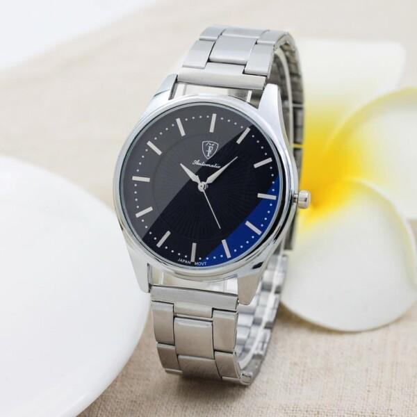 Недорогие кварцевые часы «Otoky» лаконичного дизайна с серебристым браслетом купить. Цена 335 грн