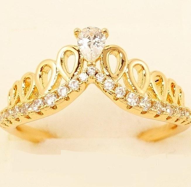 Интересное кольцо «Тиара Ажур» с фианитами и позолотой от Xuping купить. Цена 175 грн