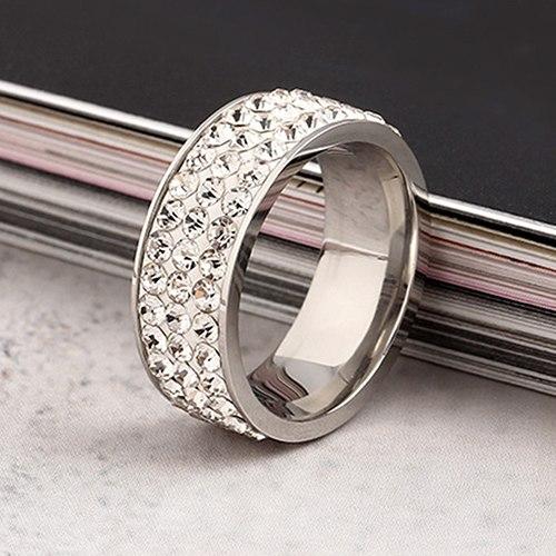 Серебристое кольцо «Gedeon» из хирургической стали, покрытое мелкими стразами купить. Цена 185 грн