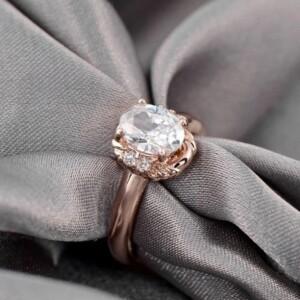 Классическое кольцо «Леди» с овальным цирконом и золоты покрытием купить. Цена 185 грн