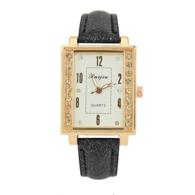 Прямоугольные часы со стразами на корпусе и чёрном ремешке купить. Цена 245 грн