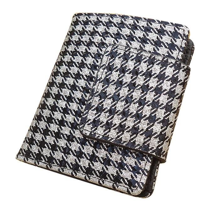 Стильный кошелёк «Monko» из серебристой лаковой кожи с красивым орнаментом купить. Цена 690 грн