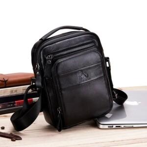 Стильная мужская сумка «Laoshizi Luosen» среднего размера из чёрной натуральной кожи купить. Цена 1290 грн