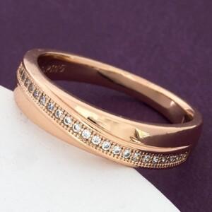 Недорогое кольцо «Тропинка» с дорожкой из фианитов в позолоченной оправе купить. Цена 155 грн