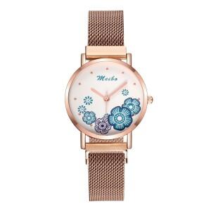 Нежные женские часы «Meibo» с цветочками на маленьком циферблате купить. Цена 350 грн
