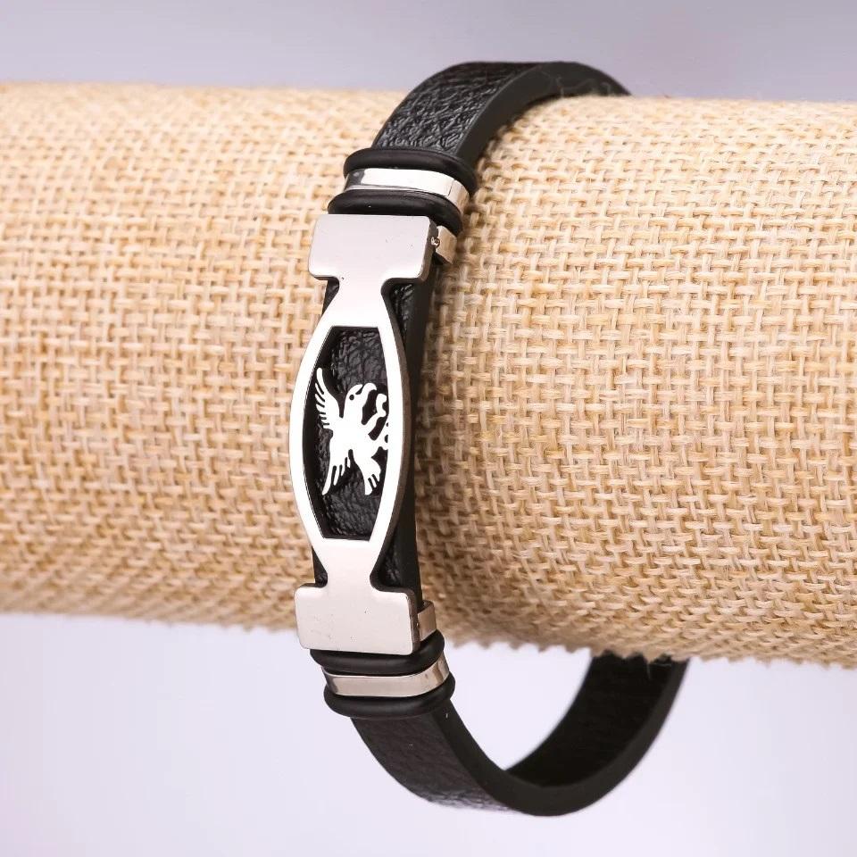 Новый браслет из экокожи с изображением орла на металлической пластине купить. Цена 165 грн