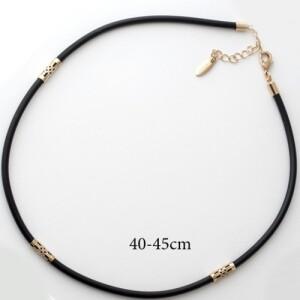 Короткий тонкий шнурок Xuping из чёрного каучука с позолоченными вставками купить. Цена 150 грн