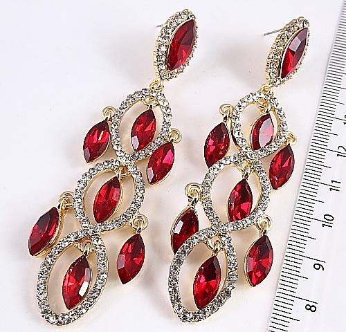 Нарядные серьги «Шамаханские» с красными камнями в оправе под золото купить. Цена 235 грн