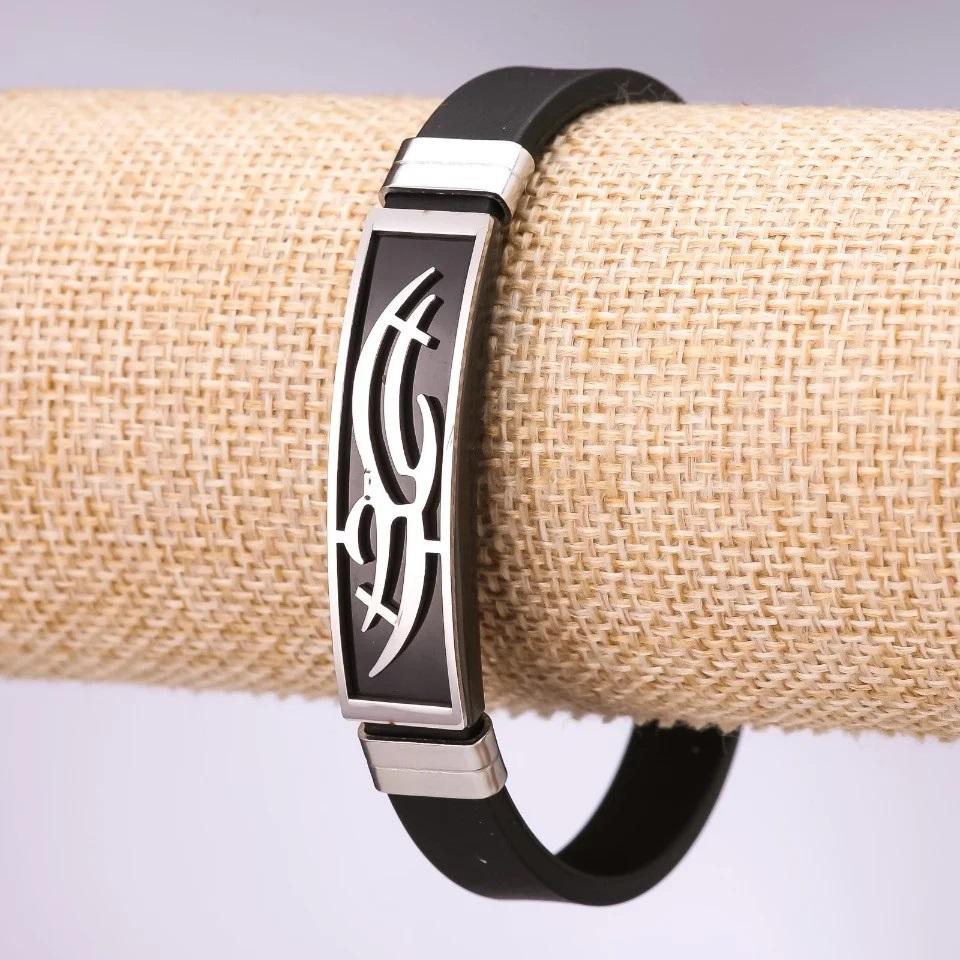 Крутой браслет «Трайбл» из силикона с красивым рисунком на стальной планке купить. Цена 165 грн