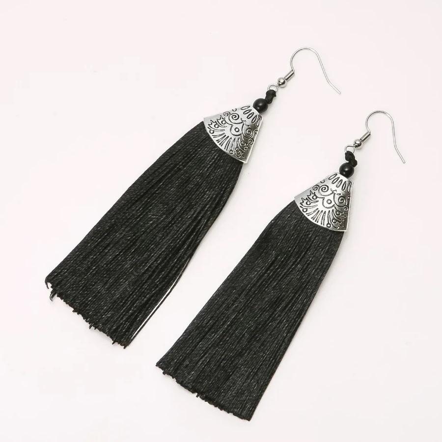 Длинные серьги-кисточки «Альмина» чёрного цвета с серебристой фурнитурой купить. Цена 145 грн
