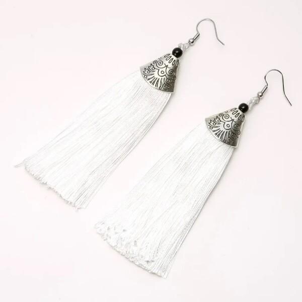 Пышные серьги «Альмина» в виде белых длинных кисточек купить. Цена 145 грн