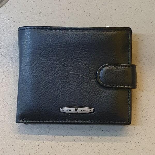 Лаконичный бумажник «Kochi» с зажимом для купюр из гладкой чёрной кожи купить. Цена 550 грн