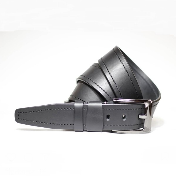 Лаконичный мужской ремень «SFIP» из чёрной кожи украинского производства купить. Цена 490 грн