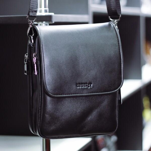 Качественная мужская сумка «Legessy» небольшого размера из гладкой чёрной кожи купить. Цена 2475 грн