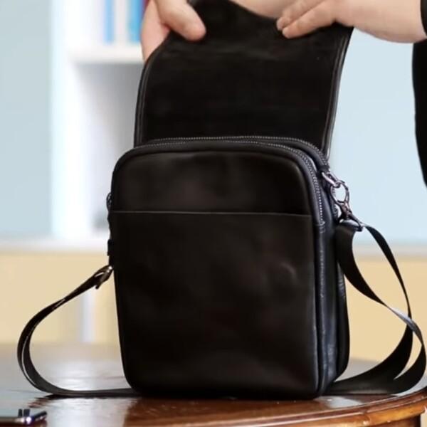 Качественная мужская сумка «Legessy» небольшого размера из гладкой чёрной кожи фото 2