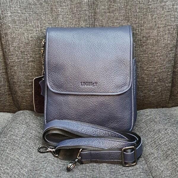 Классная мужская сумка «Legessy» из натуральной зернистой кожи синего цвета купить. Цена 2190 грн