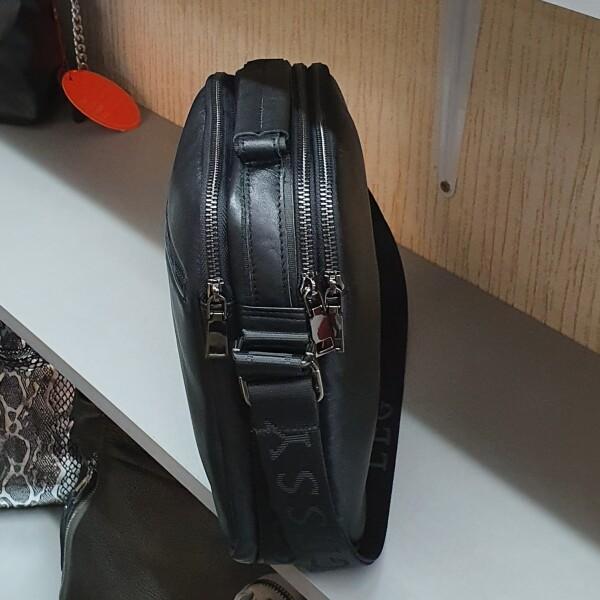 Лаконичная мужская сумка «Legessy» из гладкой итальянской кожи чёрного цвета фото 2
