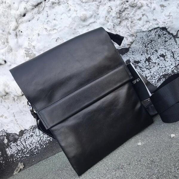 Глянцевая мужская сумка «SfiP» из мягкой качественной кожи чёрного цвета купить. Цена 2175 грн