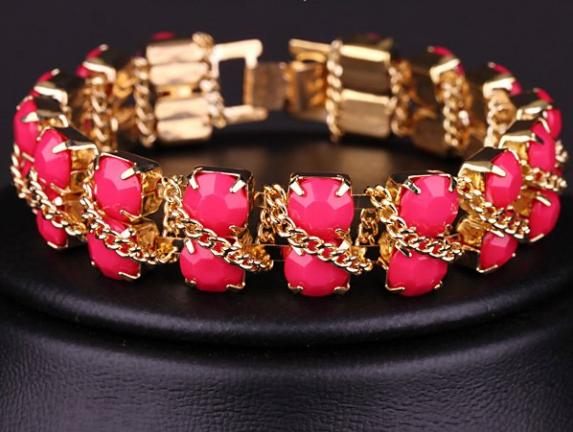 Летний браслет «Дорожка розовая» с акриловыми звеньями и золотистой цепочкой купить. Цена 95 грн
