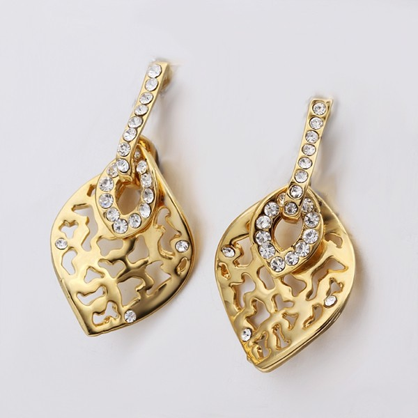 Ажурные серьги «Листок» с напылением под жёлтое золото и белыми камнями Stellux купить. Цена 140 грн