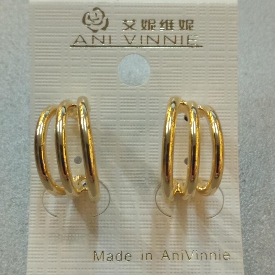 Очень недорогие серьги «Ani Vinnie Voyage» с покрытием под золото без камней купить. Цена 49 грн