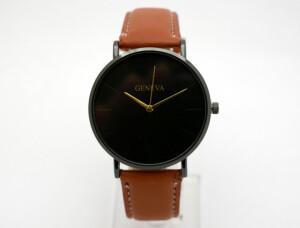 Строгие женские часы «Geneva» с чёрным корпусом и коричневым ремешком купить. Цена 165 грн