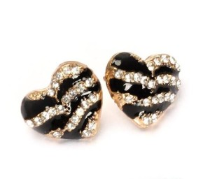Молодёжные серьги «Долорес» в виде сердечек с полосами из камней и чёрной эмали купить. Цена 45 грн