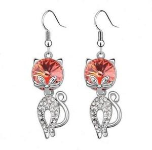 Модные серьги «Кошки» с напылением под платину с большим розовым кристаллом купить. Цена 185 грн
