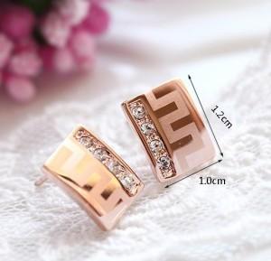 Маленькие прямоугольные серьги «Греция» (ITALINA) с греческой дорожкой и кристаллами Сваровски купить. Цена 185 грн или 580 руб.
