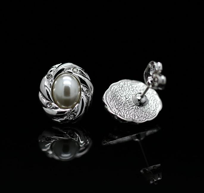 Ретро-серьги «Февраль» (бренд-ITALINA) с белой жемчужиной и покрытием под белое золото купить. Цена 160 грн