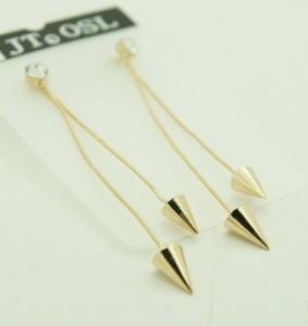Золотистые длинные серьги «Амазонка» в виде двух цепочек с небольшими конусами купить. Цена 50 грн или 160 руб.