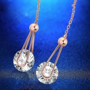 Очень длинные серьги «Висюлька» (бренд-ITALINA) с прозрачным кристаллом Swarovski на позолоченной цепочке фото 1