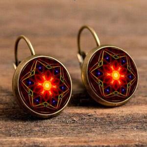 Индийские серьги «Lotus Charm» в форме диска яркой расцветки купить. Цена 125 грн