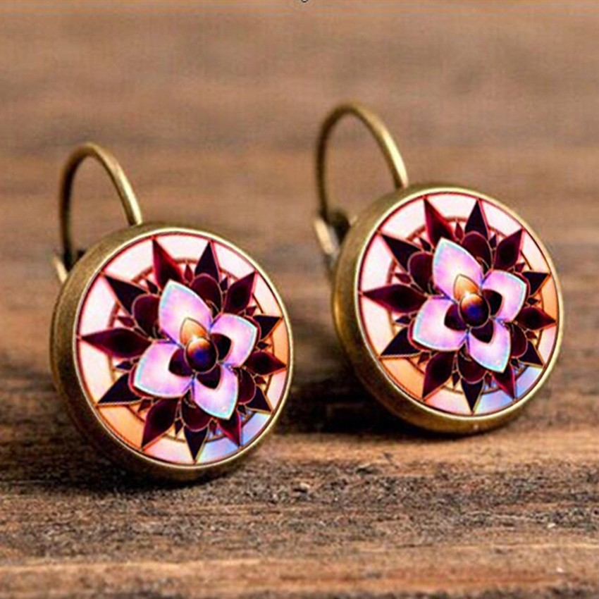 Симпатичные серьги «Lotus Charm» с красивым цветочным рисунком купить. Цена 125 грн