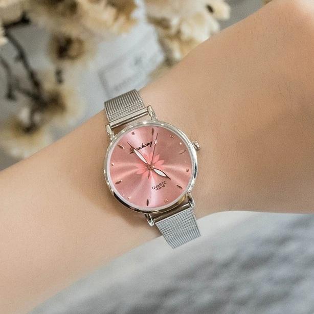 Милые женские часы «Dicaihong» с розовым циферблатом купить. Цена 345 грн