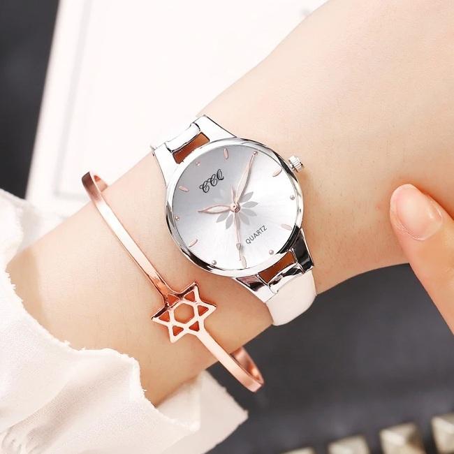 Приятные женские часы «CCQ» с узким ремешком белого цвета купить. Цена 299 грн