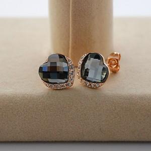Модные серьги «Чарующие» (бренд-ITALINA) с гранённым камнем графитового цвета в виде сердца фото. Купить