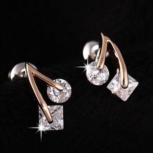 Миниатюрные серьги «Вишенки» (ITALINA) с напылением под натуральное золото и камнями Сваровски фото. Купить