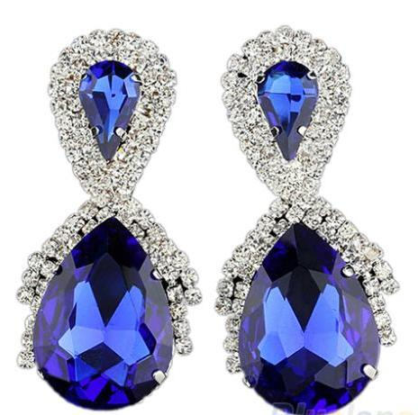 Кольца с камнями синего цвета