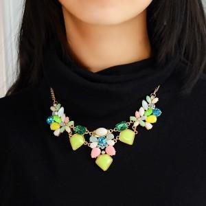 Весёленькое ожерелье «Веснянка» с разноцветными камнями и цветными стразами фото 1
