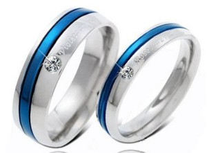 Парные кольца «Luxury» из хирургической стали с синей полосой и цирконом купить. Цена 180 грн