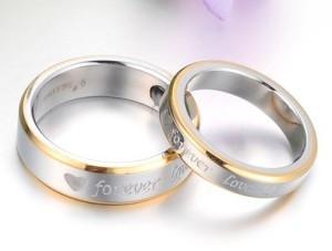 Женские стальные кольца «Luxury» серебряного цвета з золотой каймой купить. Цена 180 грн или 565 руб.