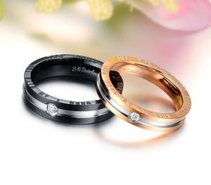 Красивые обручальные кольца «Luxury» из хирургической стали с цирконом купить. Цена 180 грн