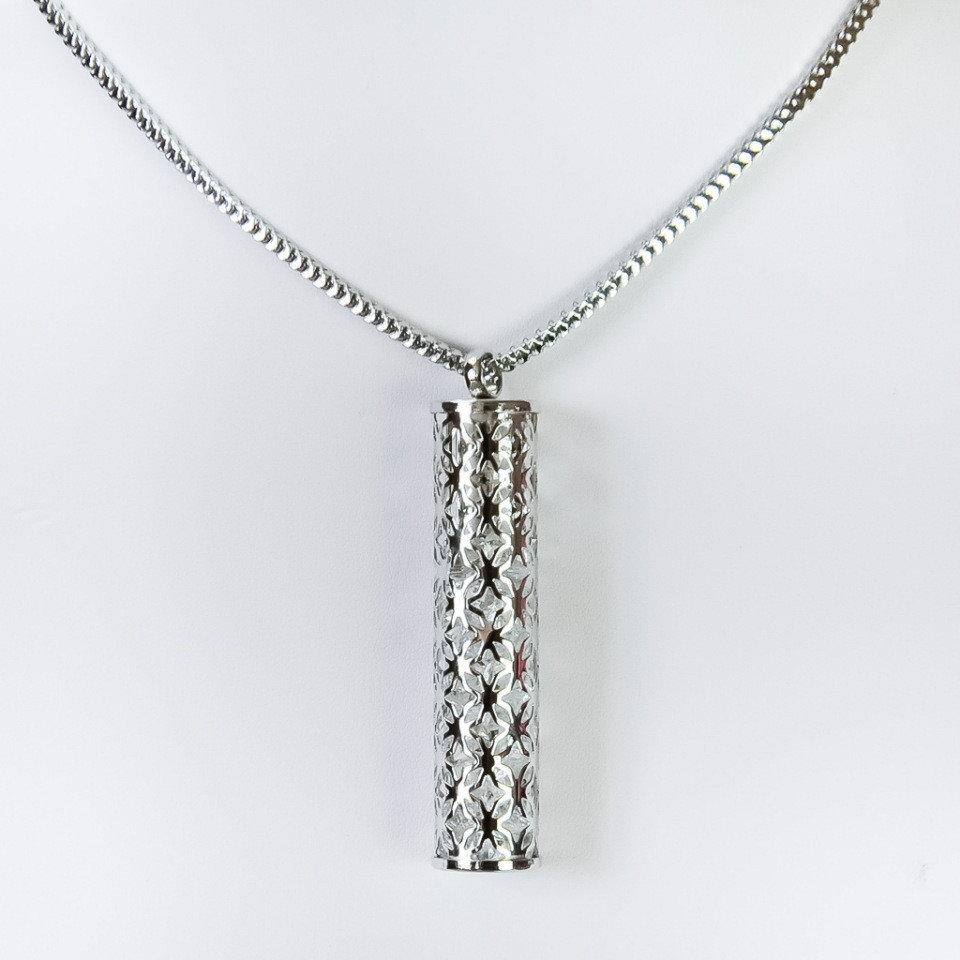 Серебристая подвеска «Миллениум» со стразами в колбе на длинной цепочке купить. Цена 165 грн